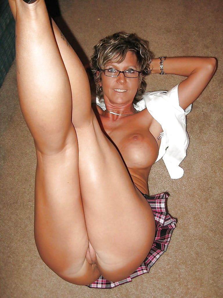 Mature bending cute sexy