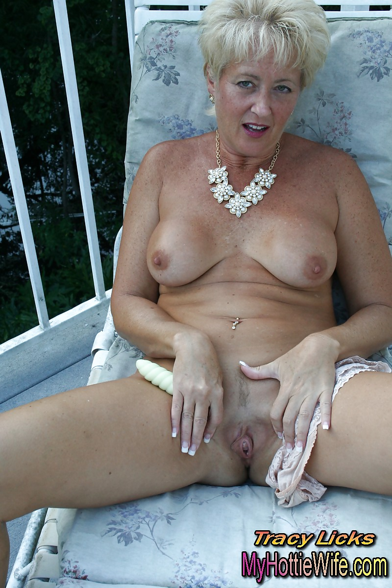 swingers glamour Pissing interracial