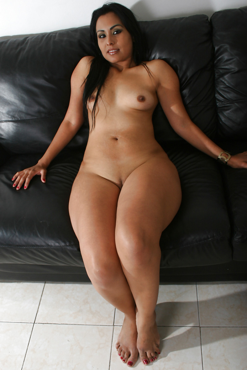 Nude Pix HQ Double penetration screaming makeout feet