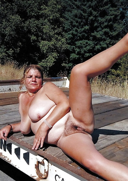 babe Chubby webcam outdoor