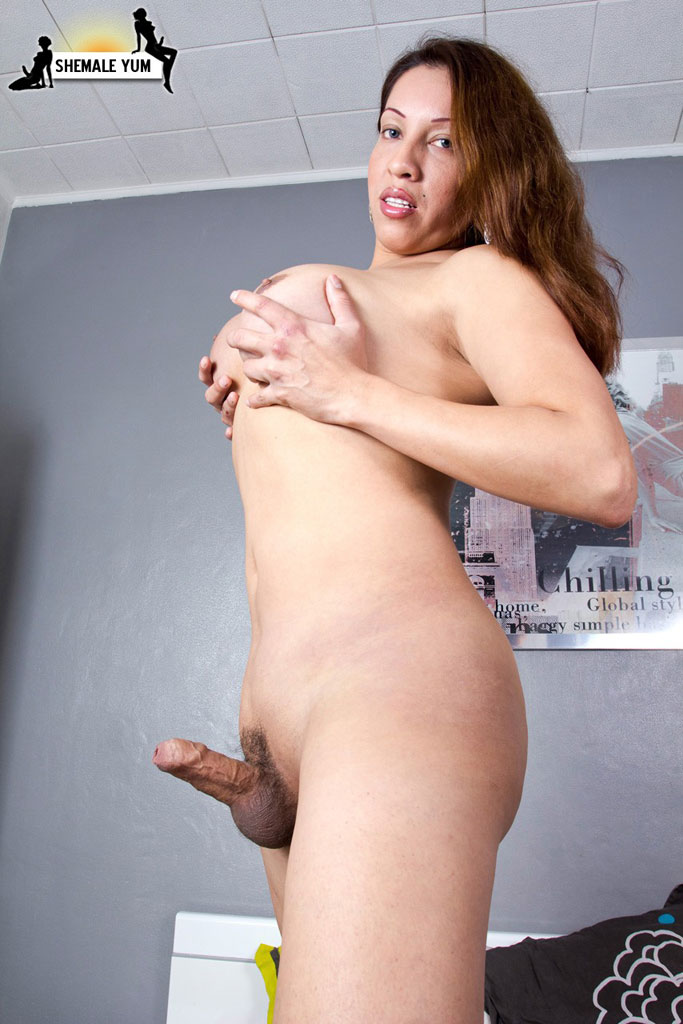big Handjob booty uncut boobs