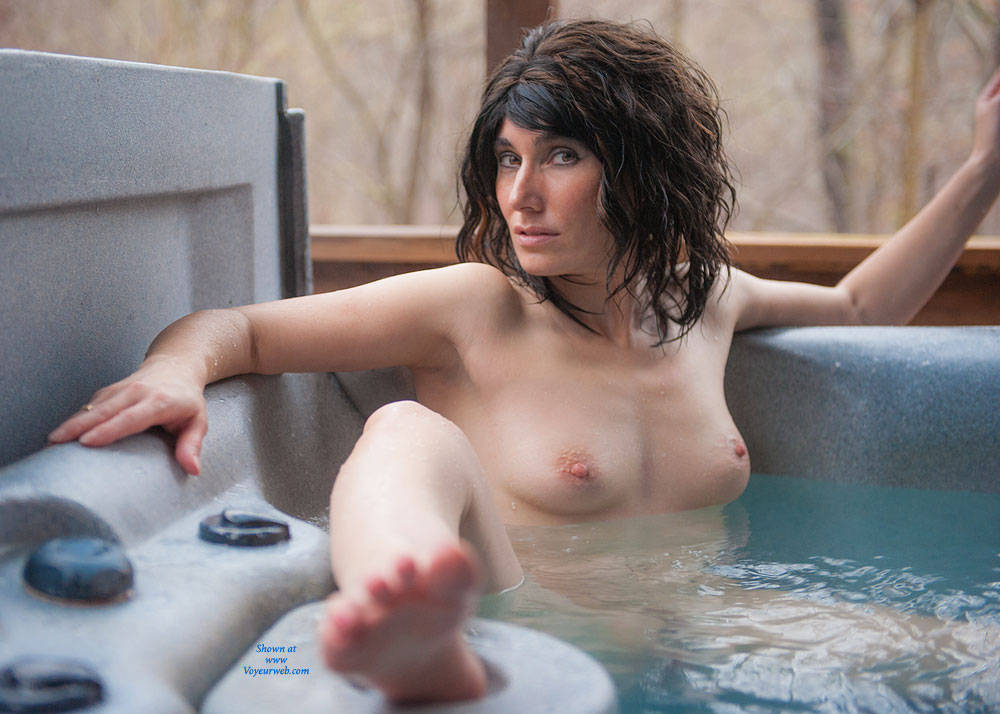 Milf wet brunette big nipples