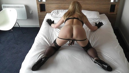 Adult Pictures HQ Beauty housewife cumming otngagged