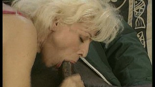 Messy gagging shared domina
